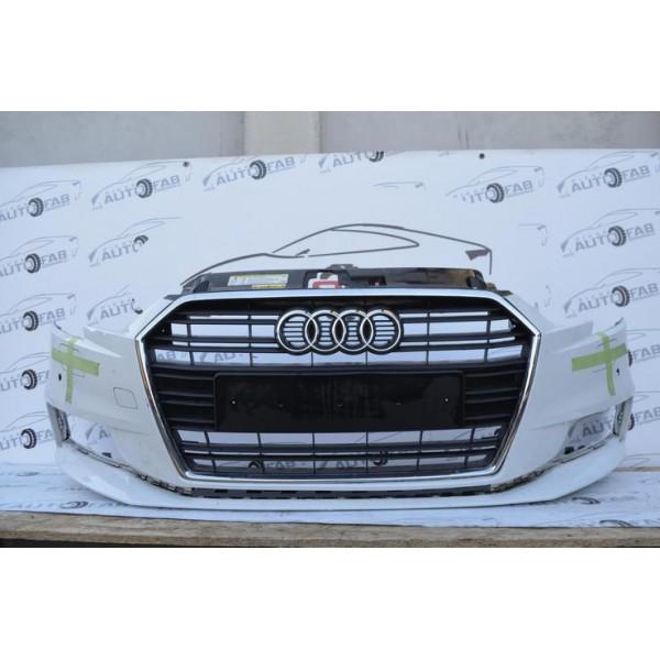 Bară față Audi A3 8V Facelift an 2017-2020 cu găuri pentru parktronic și spălătoare faruri