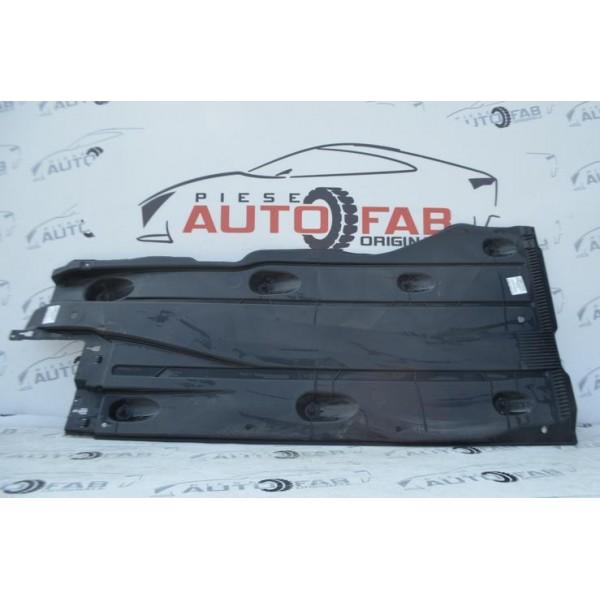 Scut lateral dreapta Audi, Volkswagen, Seat, Skoda COD 5Q0825202L